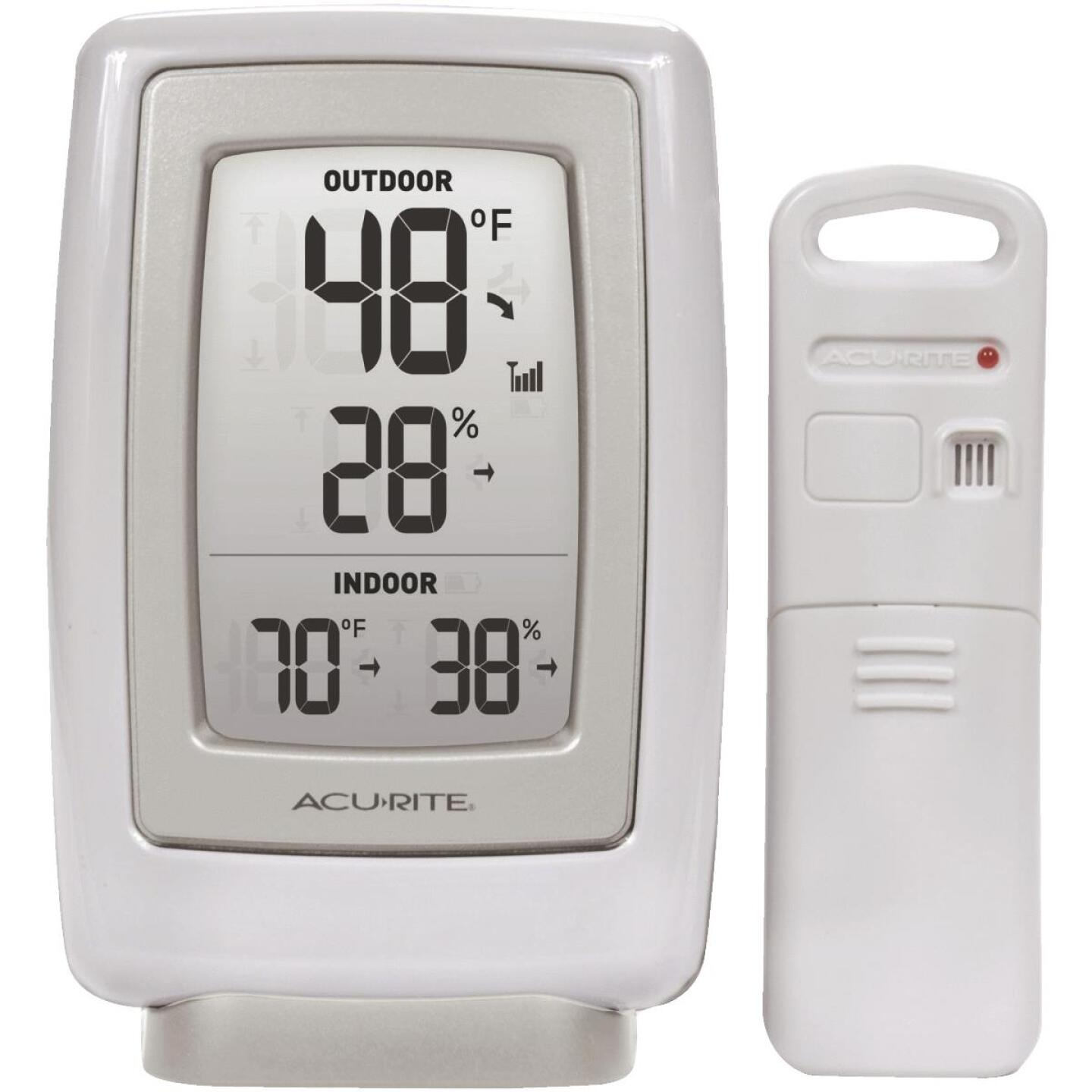 "Acurite 3-1/2"" W x 5-1/2"" H Plastic Wireless Indoor & Outdoor Thermometer Image 1"