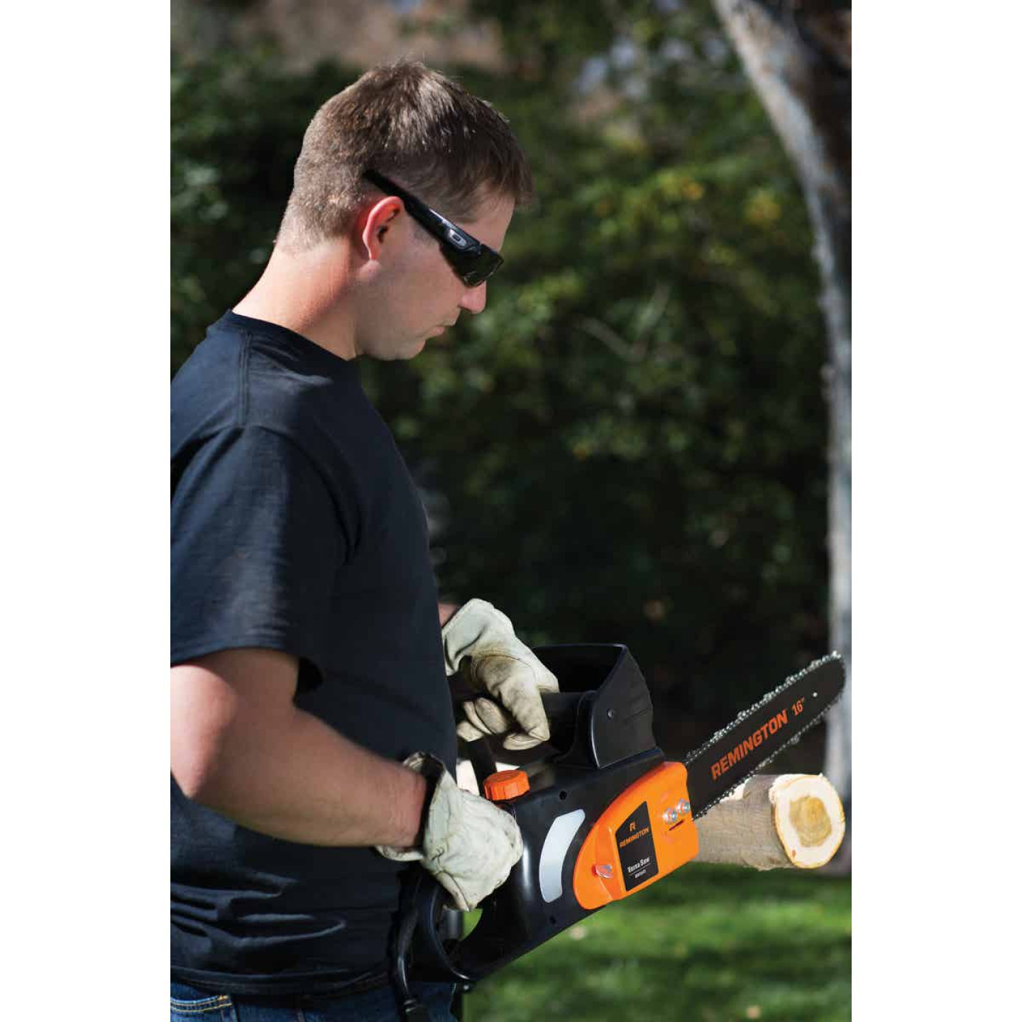 Remington Versa Saw RM1645 16 In. 12A Electric Chainsaw Image 3