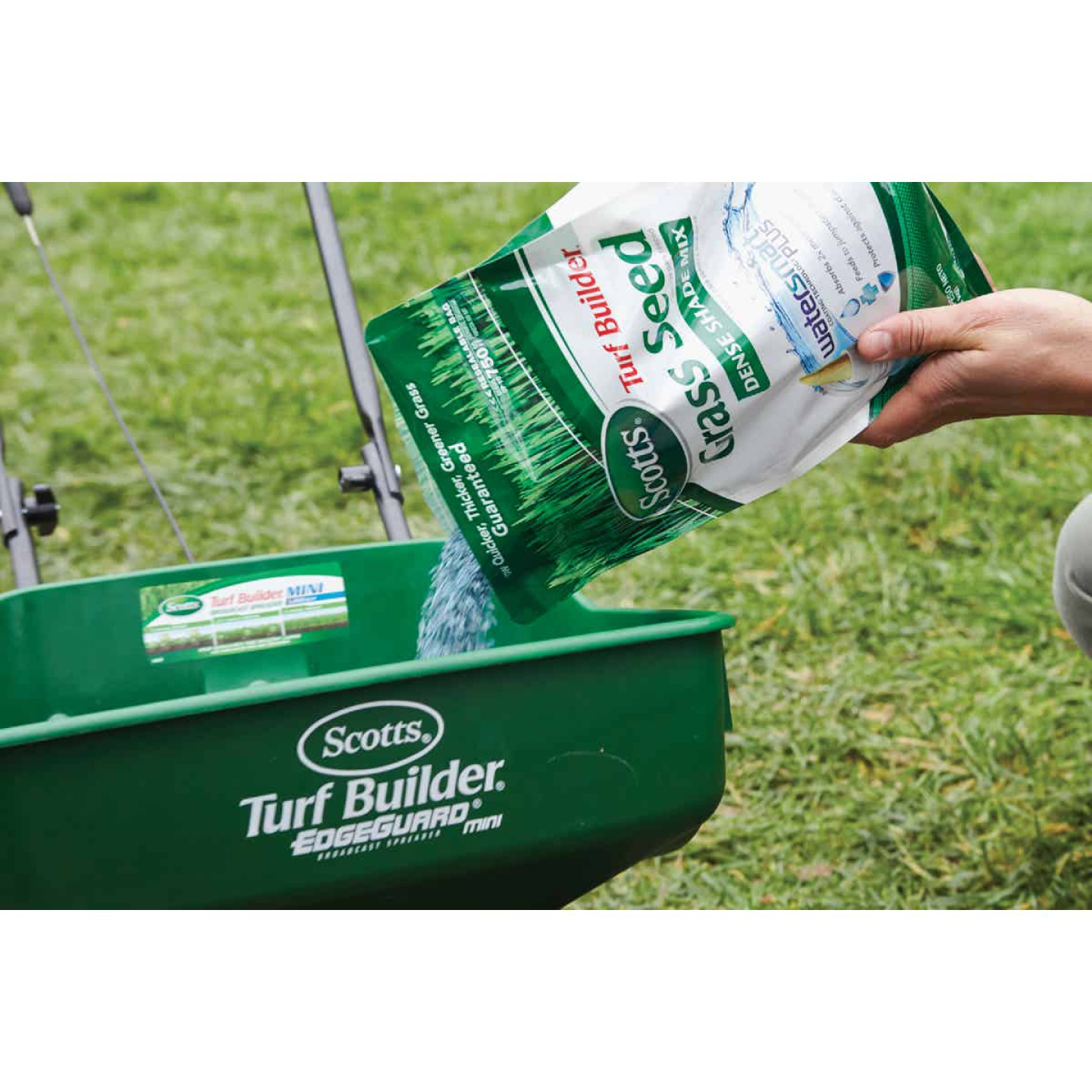 Scotts Turf Builder 3 Lb. Up To 750 Sq. Ft. Coverage Dense Shade Grass Seed Image 2